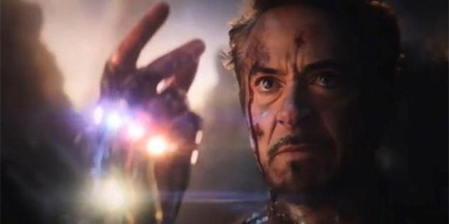 Bir Marvel Hayranı Yeni Yıla Iron Man'in Parmak Şıklatmasıyla Girdi