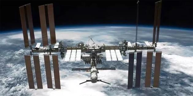 NASA, Rus uzay araçlarıyla iki yıl daha devam edecek