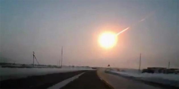 Güney Afrika Yakınlarında Atmosfere Çarparak Parçalanan Asteroit