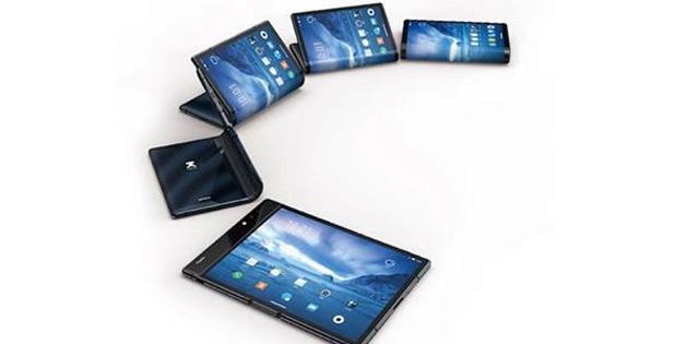 İlk katlanan telefon, Samsung değil