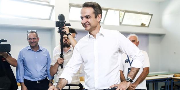Yunanistan'da Miçotakis liderliğindeki Yeni Demokrasi Partisi tek başına iktidar