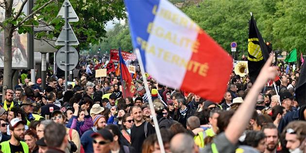 Fransa'da sarı yelekliler eylemlerin 34. haftasında yeniden sokaklarda