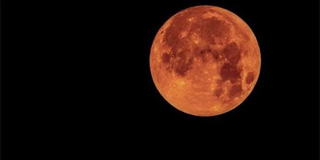 Yapılan Yeni Bir Araştırmaya Göre Ay Paslanıyor