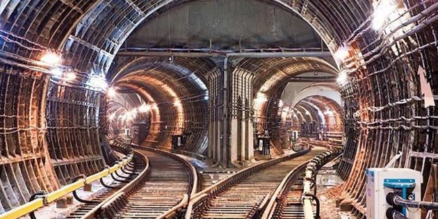 Çin'de metro inşaatı çöktü... 8 kişi öldü
