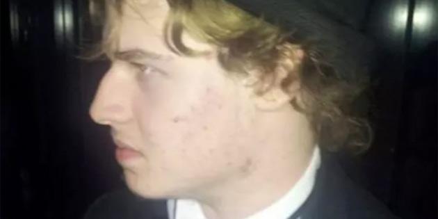 Avustralya'da Bir Genç, Oyun Oynarken Kabloları Söken Babasını Bıçakladı