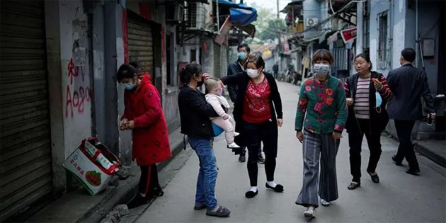 KOVİD-19 salgınının merkezi Wuhan'da karantina kaldırıldı