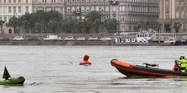 Tuna Nehri'nde batan yolcu gemisinde hayatını kaybedenlerin sayısı 20'ye çıktı