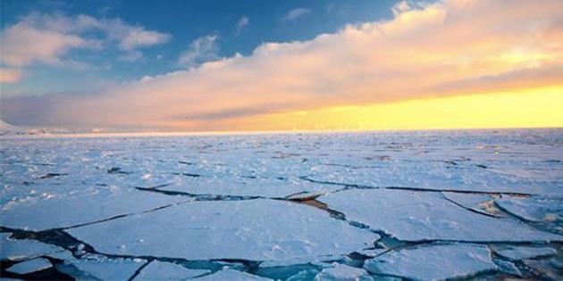 Kuzey Kutbu, Kanada'dan Hızla Uzaklaşmaya Devam Ediyor