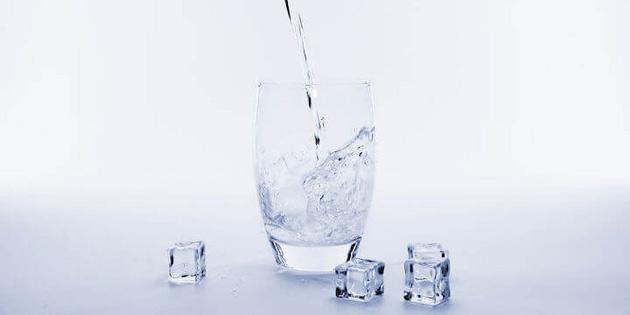 Jamaika'da Bir Hastane Temiz Su Elde Etmek İçin Havadaki Nemi Çekiyor