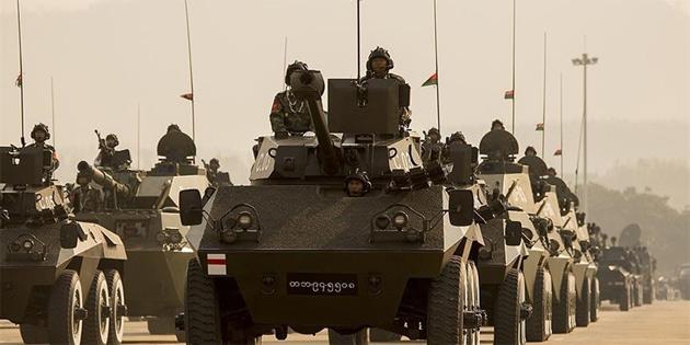 Myanmar ordusu Arakan köylerini 'askerileştiriyor'