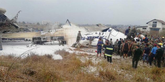 Nepal'de uçak düştü