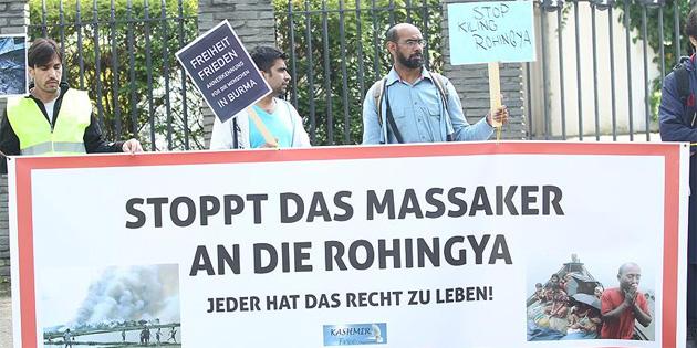 Almanya'da Arakanlı Müslümanlara yönelik saldırılar protesto edildi
