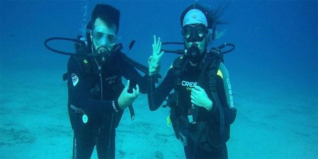 Antalya'da su altında evlilik teklifi