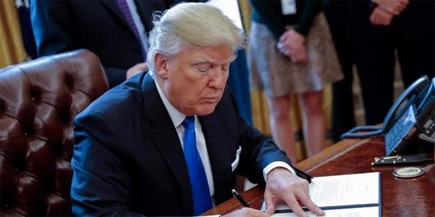 Trump'tan 692 milyar dolarlık savunma bütçesine onay