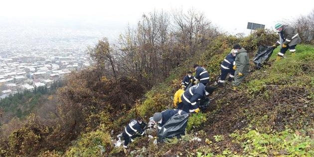 Uludağ'ın eteklerinden 250 kilo çöp toplandı