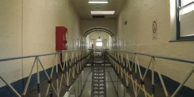 Avustralya'da kadın mahkum hücresinde tek başına doğum yaptı
