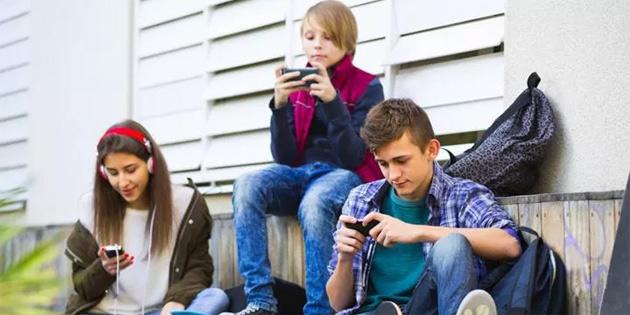 ABD'nin Vermont eyaleti, 21 yaş altının cep telefonu kullanımını yasaklamak istiyor