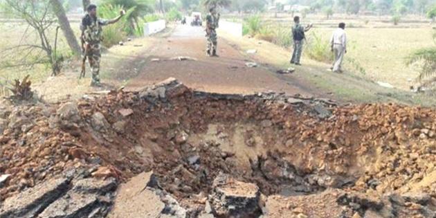 Hindistan'da polise mayınlı saldırı