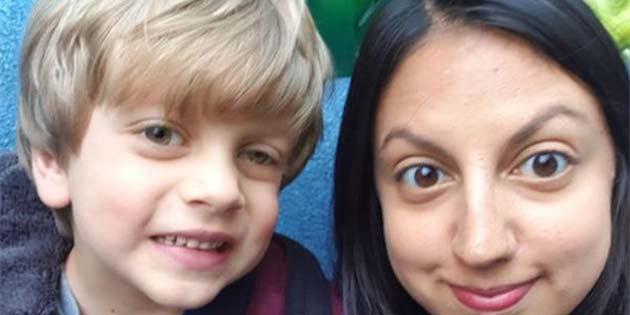 Basit Bir Fotoğraf Sayesinde Küçük Bir Çocuğun Gözündeki Kanser Tespit Edildi