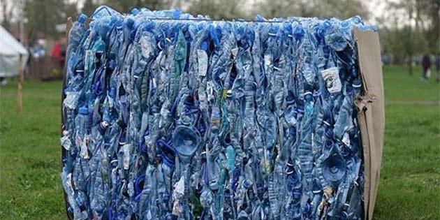 Araştırma kanıtladı: Yağmurla birlikte plastik yağıyor