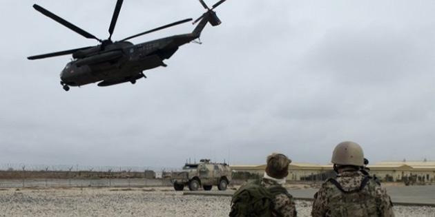 Afganistan'da askeri helikopter düştü: 5 ölü
