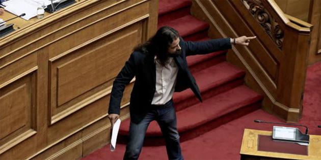Yunanistan'da darbe çağrısında bulunan milletvekiline gözaltı