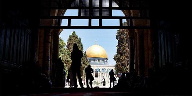 İsrail Mescid-İ Aksa'nın kapılarını yeniden açtı
