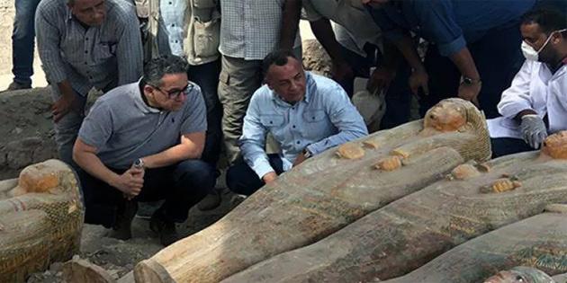Arkeologlar, Mısır'da yapılan kazılarda 20'den fazla antik tabut buldu