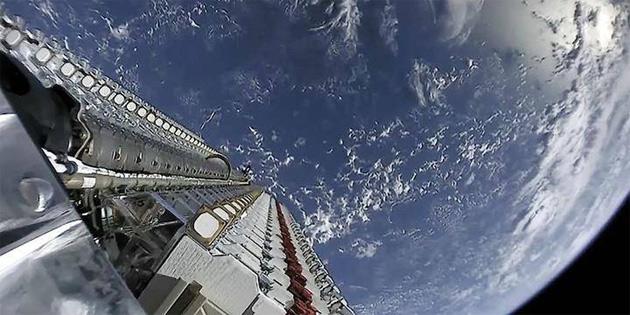 SpaceX çıldırdı: Tam 42.000 Starlink uydusu için izin istendi