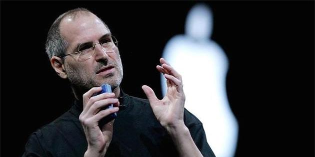 Steve Jobs imzalı iş başvurusu uçuk fiyata satıldı!