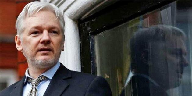 Julian Assange, servete mal oldu
