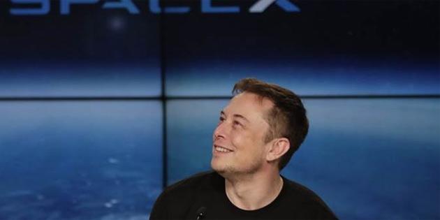 Elon Musk, 'uzaydan internet' projesi Starlink için resmi izinleri aldı