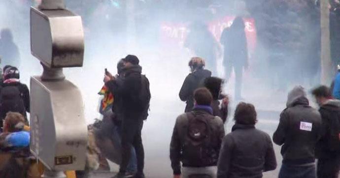 Paris'te olaylı protesto!
