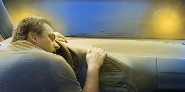 Tek başına yolculuk sürücüyü uyutuyor