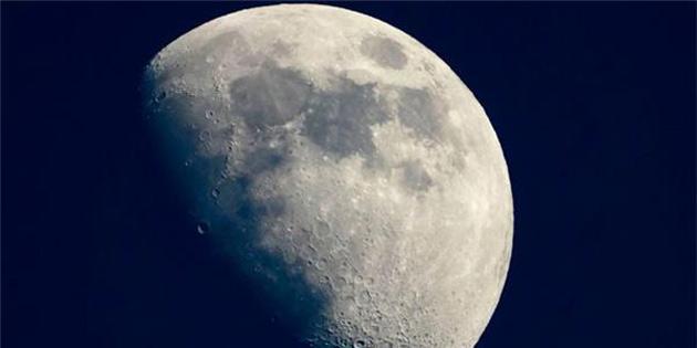NASA, Ayın Soğudukça Küçüldüğünü Açıkladı