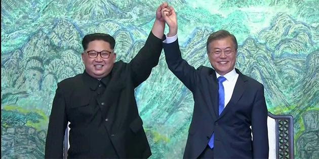 Moon'un Kuzey Kore ziyareti ilklere sahne oldu