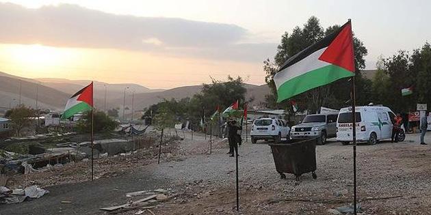İsrail Han El-Ahmer'deki yıkımı 'Birkaç hafta' erteledi