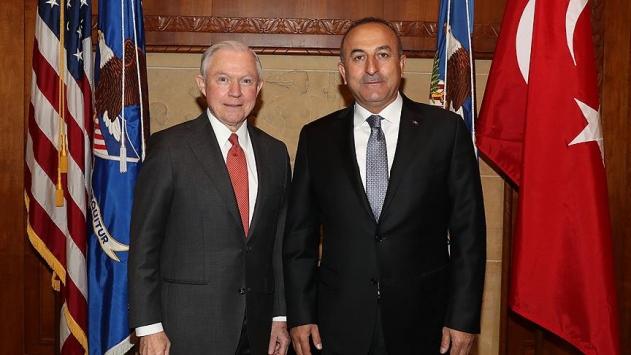 Bakan Çavuşoğlu ABD'li bakan ile FETÖ elebaşının iadesini görüştü