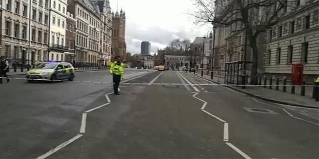 Londra'da silah sesleri...