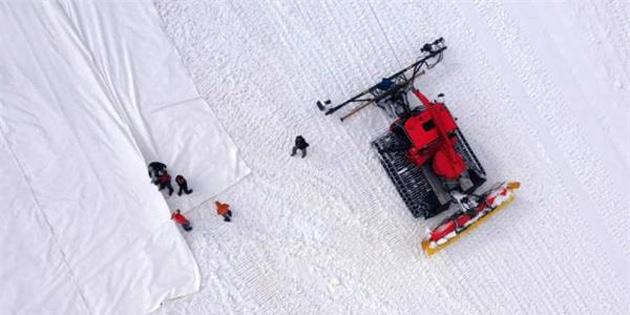 İtalya, Buzullarını Erimekten Korumak İçin Üzerini Brandayla Kaplıyor