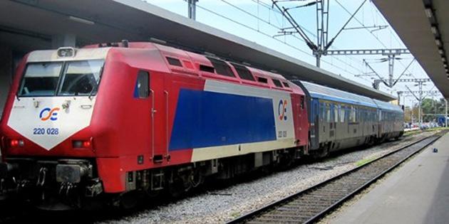 Yunanistan'da trenin çarptığı 2 göçmen hayatını kaybetti