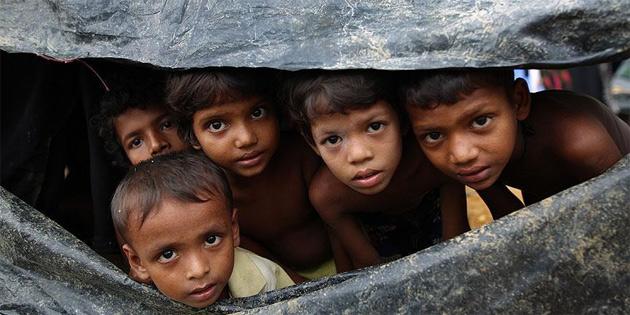 Bangladeş'e sığınan Arakanlı Müslümanların sayısı 429 bine yükseldi