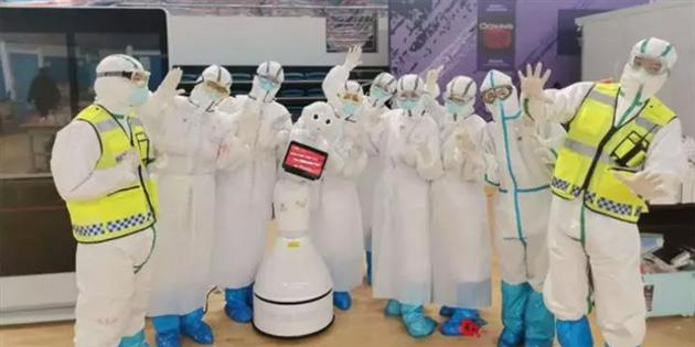 Çin tamamı robotlardan oluşan hastanenin açılışını yaptı