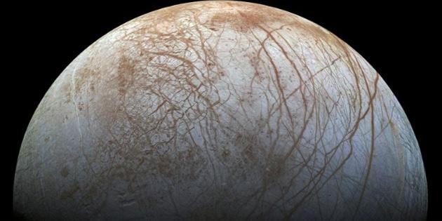 Jüpiter'in Uydusu Europa, Uzaya Su Saçıyor!