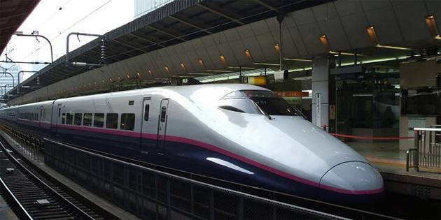 Hong Kong'tan Çin'e hızlı tren hattı açıldı