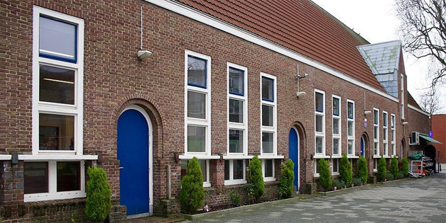 Hollanda'da mahkemeden camiye destek kararı