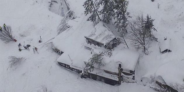 İtalya'daki çığ felaketinde 23 kişiye soruşturma