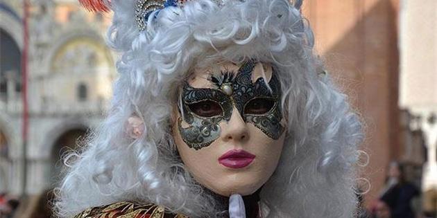 İtalya, Corona Virüsü Sebebiyle Venedik Karnavalı'nı İptal Etti