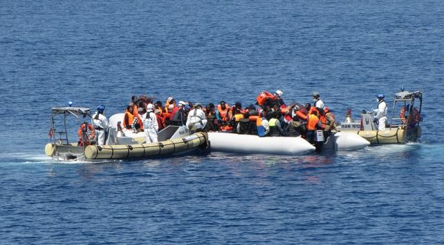 Libya açıklarında iki göçmen botu alabora oldu
