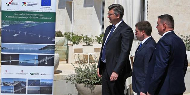 Hırvatistan'daki 'Tartışmalı köprü' için imzalar atıldı